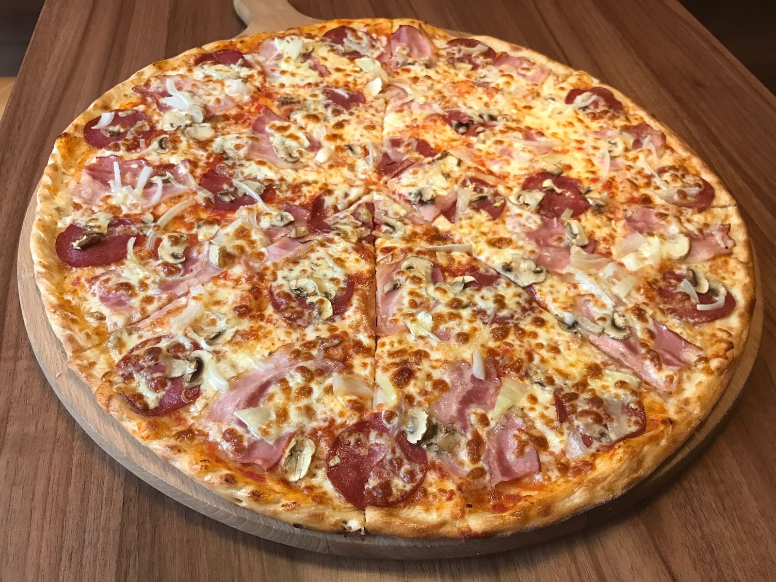 19. Pizza Gazdovská 50cm