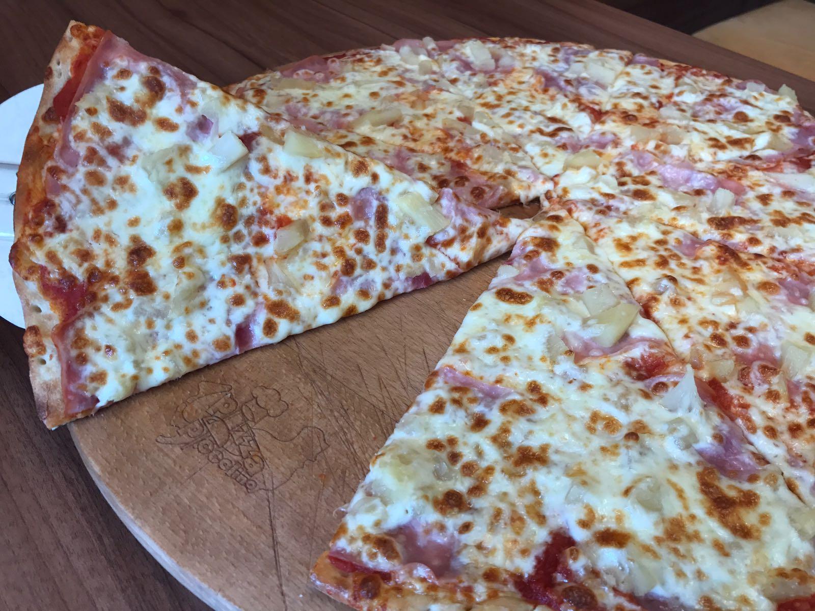 6. Pizza Hawai 33cm