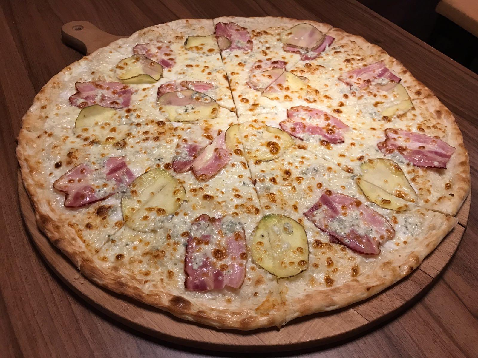 13. Pizza Patatu 50cm